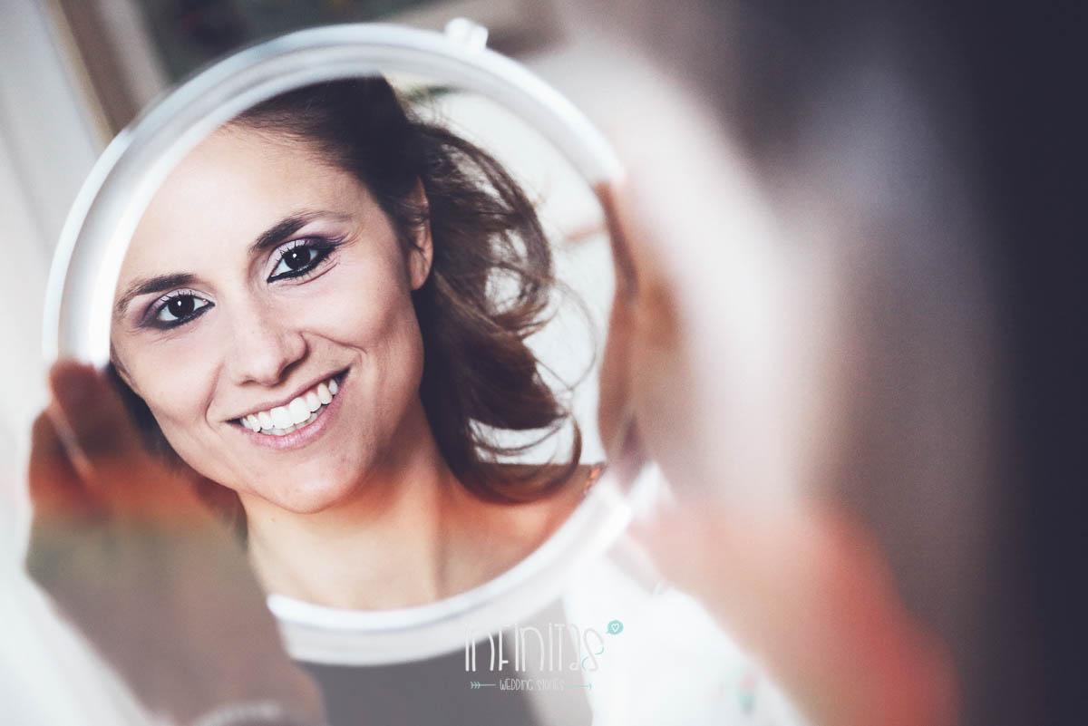 infinitas-sposa-specchio-sorriso-preparazione-nologo-rid